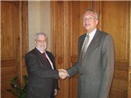 Felicitación de Manuel Rodríguez a Octavio Calderín