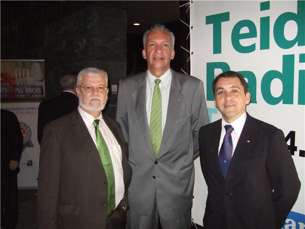 José Manuel Bermúdez, vicepresidente del Cabildo de Tenerife, junto a Manuel Rodríguez y Octavio Calderín