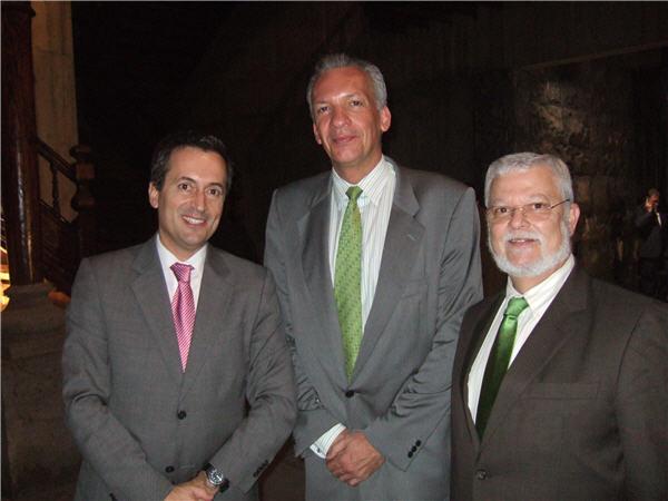 José Miguel Ruano, vicepresidente del Gobierno de Canarias, junto con Manuel Rodríguez y Octavio Calderín
