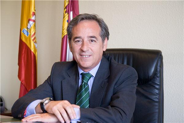 Angel Nicolás García